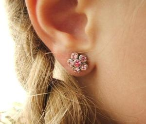 girl earlobe